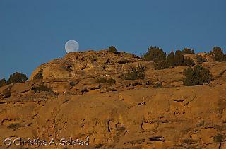 Moon set at Casa Rinconada, day before solstice_DSC_5800