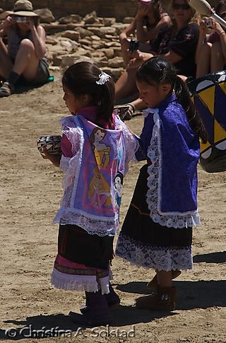 Young Acoma girls (Chaco 2008)_DSC_5951