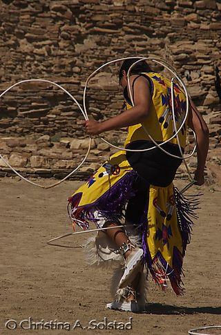 Laguna Hoop Dance - Eagle? (Chaco 2008)_DSC_6115